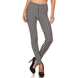 Pants - Extra Plus Size  White Houndstooth Leggings